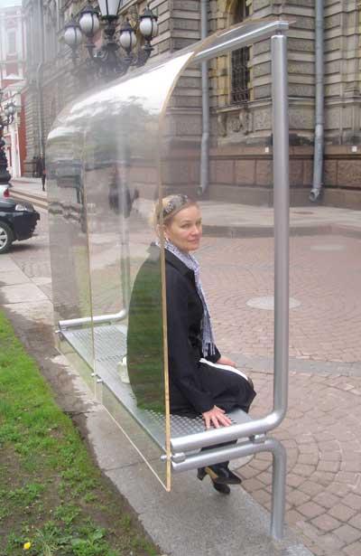 Городская скамейка. Минимализм