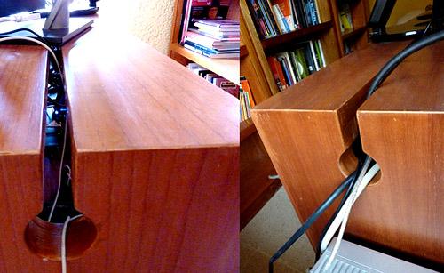 Специальная скрытая полка, в задней части стола, куда можно спрятать все провода