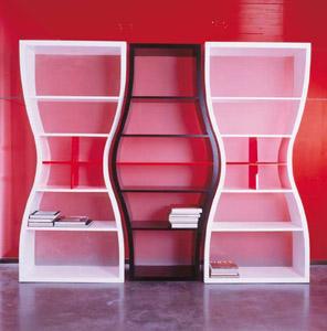Книжные шкафы оригинальной формы.