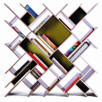 Оригинальные стеллажи-книжные полки. Могут служить межкомнатным разделителем