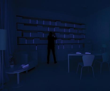 Книжные полки, светятся корешки книг