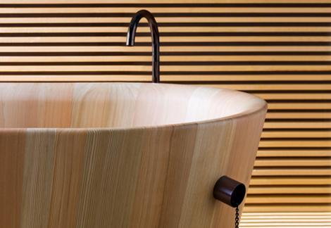 Традиционная японская ванна Офуру из ценных сортов древесины от итальянской фирмы Rapsel
