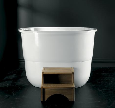 Традиционная сидячая ванна японская.