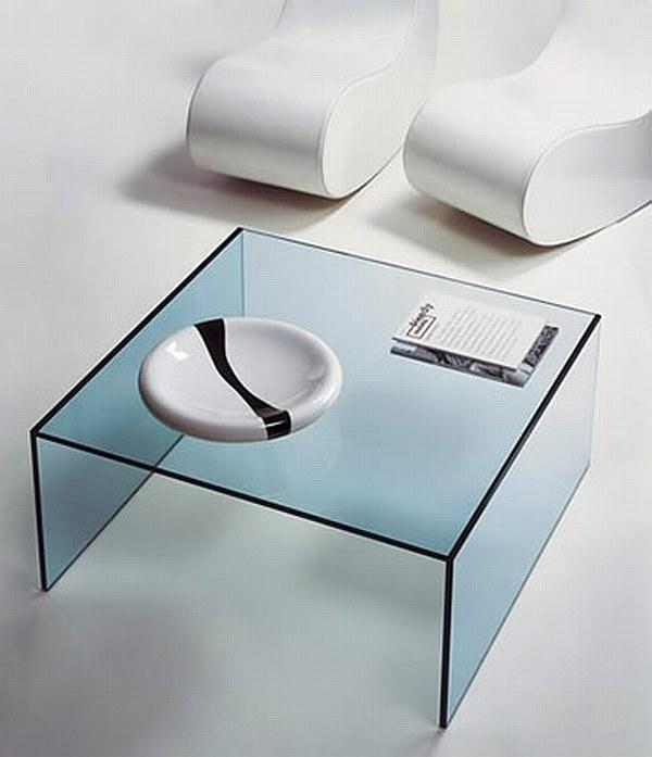 Стеклянный журнальный столик кофейный. Простая лаконичеая форма. Минимализм.