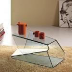Кофейный столик журнальный из стекла. Сложная геометрия граней придпёт оригинальность.