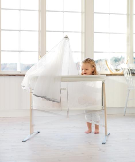 Дышащая детская кроватка из пористой ткани