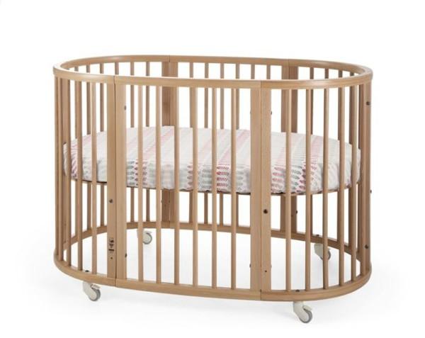 детская кроватка полуерклой формы