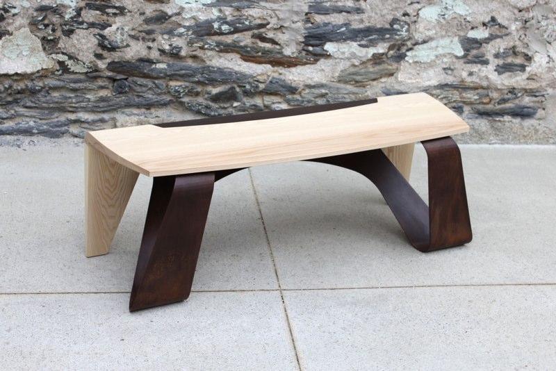 Оригинальная деревянная скамейка для дома и дачи
