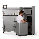 Компактный компьютерный стол из алюминия