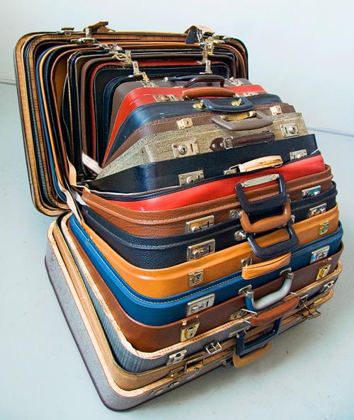 Компактное хранение чемоданов