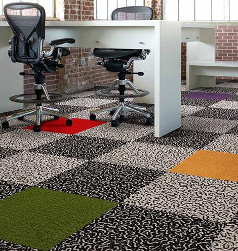 Напольный покрытия из ковровой плитки