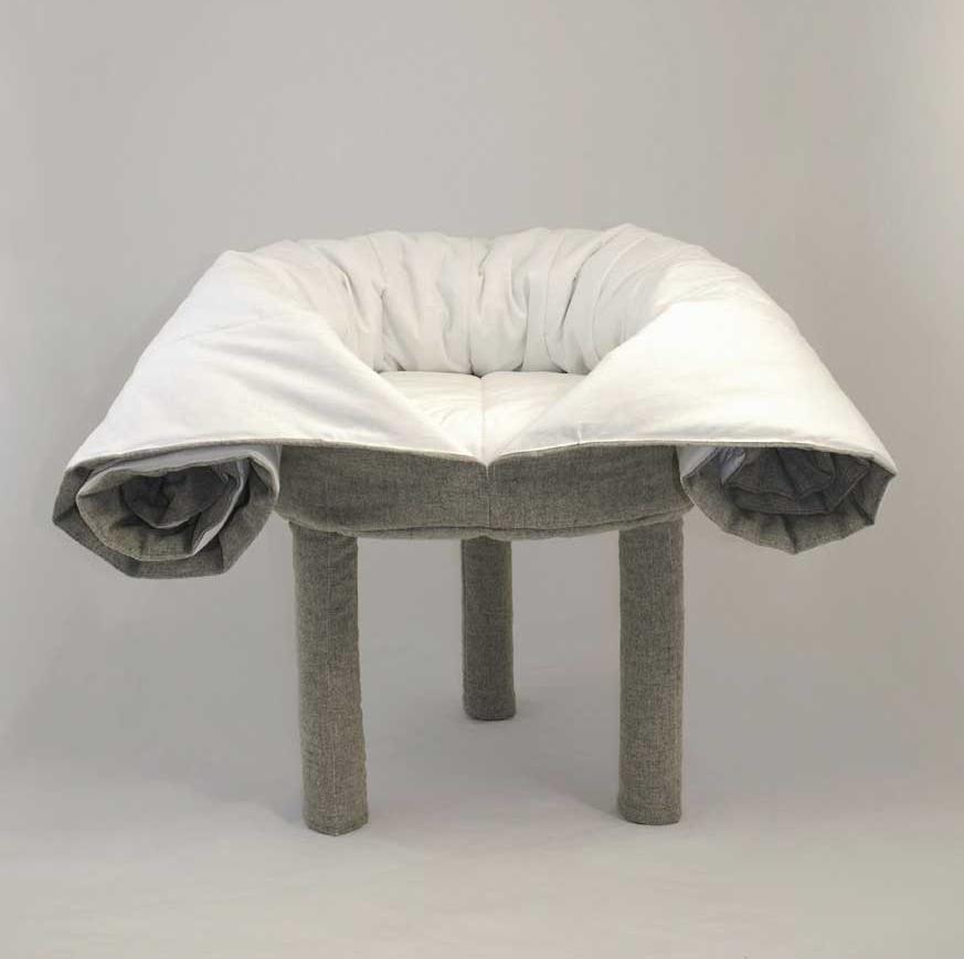 Кресло-одеяло. Уютное и трогательное в своей ебанутости.