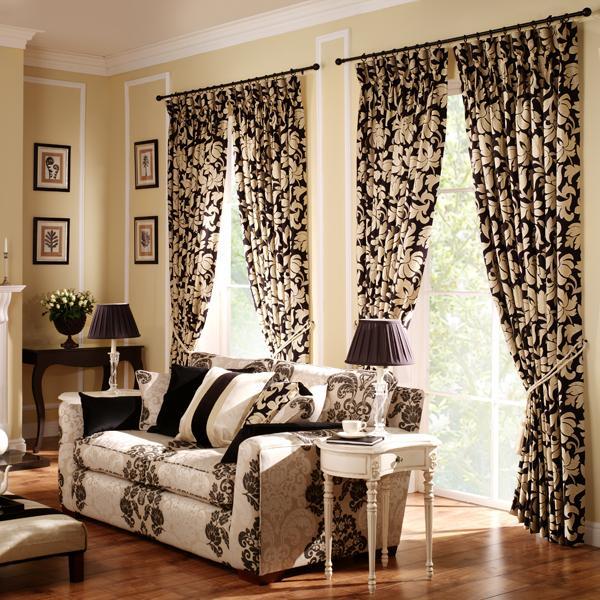 Контрастные шторы с черно-белым рисунком