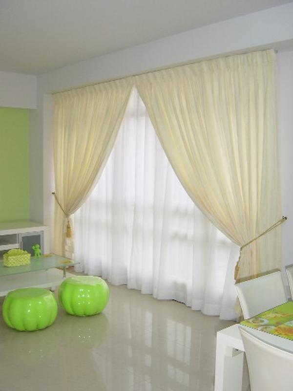 Светлые легкие шторы в комбинации с тюлем