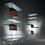 Комбинированные стеллажи из стекла и дерева. Оригинальная форма и подход.