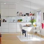 Открытая белая кухня