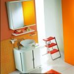 Итальянская мебель для ванной комнаты яркого цвета