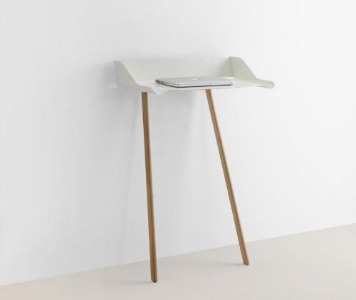 Стол для ноутбука белого цвета