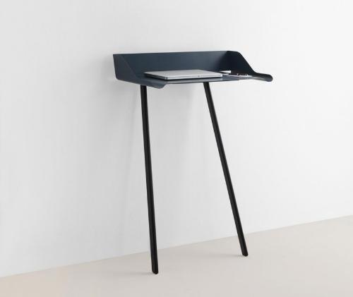 Стол для компьютера ноутбука черного цвета