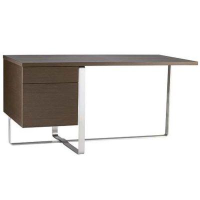 Офисный стол оригинальной конструкции, алюминиевая основа.