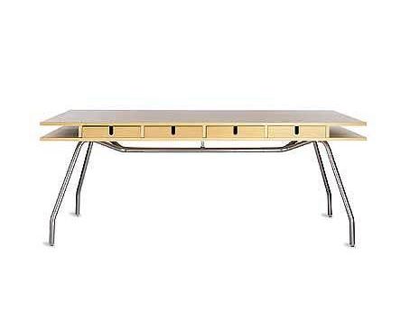 Дизанерский компьютерный стол. Комбинация дерева и металла.