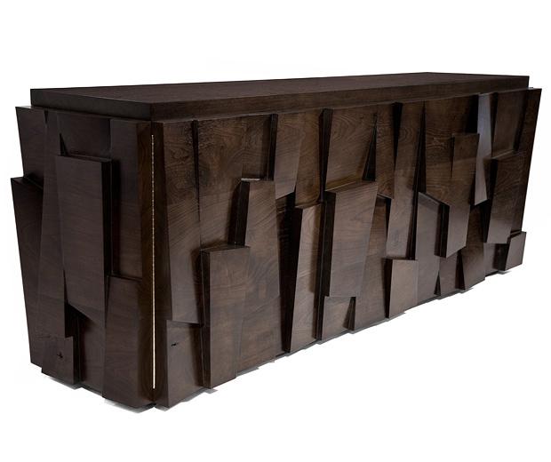 Шкаф комод из натурального дерева. массив.
