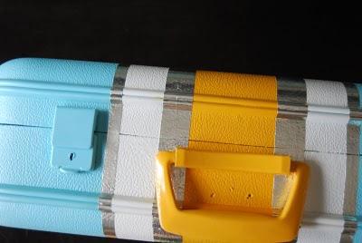 Процесс покраски столика для ноутбука