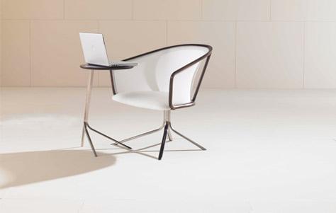 Изящный легкий стол для ноут бука и компьютерное кресло