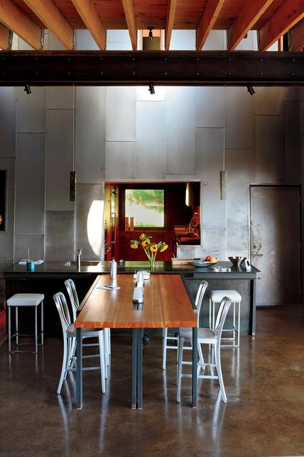 Оригинальный дизайн кухни и кухонная мебель.