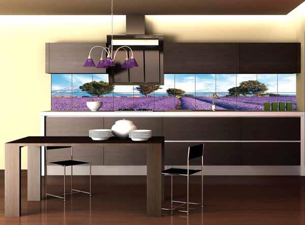 Дизайн кухни. Цифровая печать на кафельной плитке фартука.