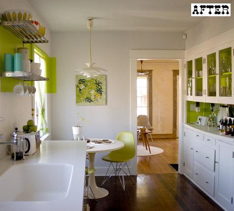 Ремонт кухни своими руками. Белая мебель для кухни и белые стены.