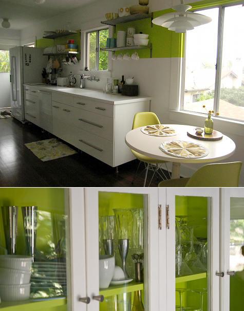 Белая кухня. Переделка минимальными средствами своими руками.