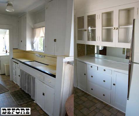 Белая кухня небольшая. Ремонт своими руками.