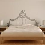 Наклейка на стену над кроватью. Даже самая простая кровать выглядит оригинально.