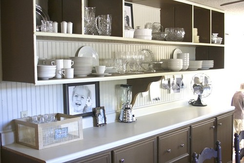 Дизайн кухни. Открытые полки, пример.