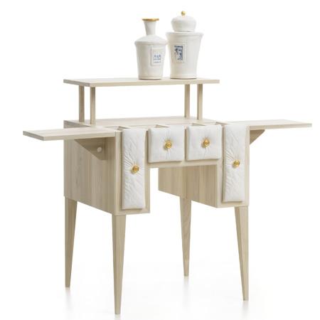 Кухонная мебель. Стол с выдвижными керамическими ящиками