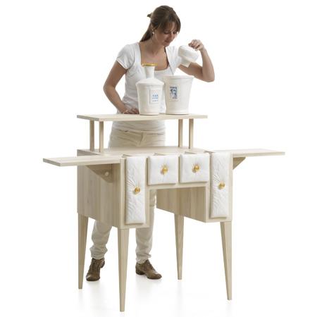 Мебель для кухни дизайн. Сочетание светлого дерева и белой керамики