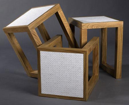 Итальянская мебель для кухни. Табуретки с сиденьем из мелкой плитки.