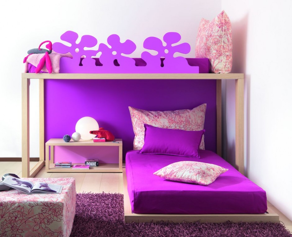 Детская двухъярусная кровать. Феолетовая.