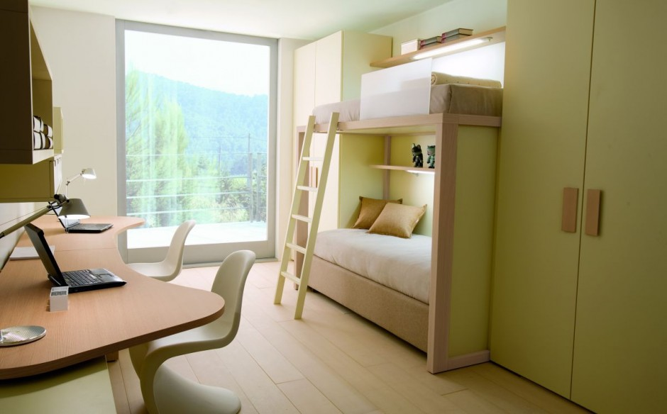 Комната для подростков. Двухъярусная кровать стол стулья