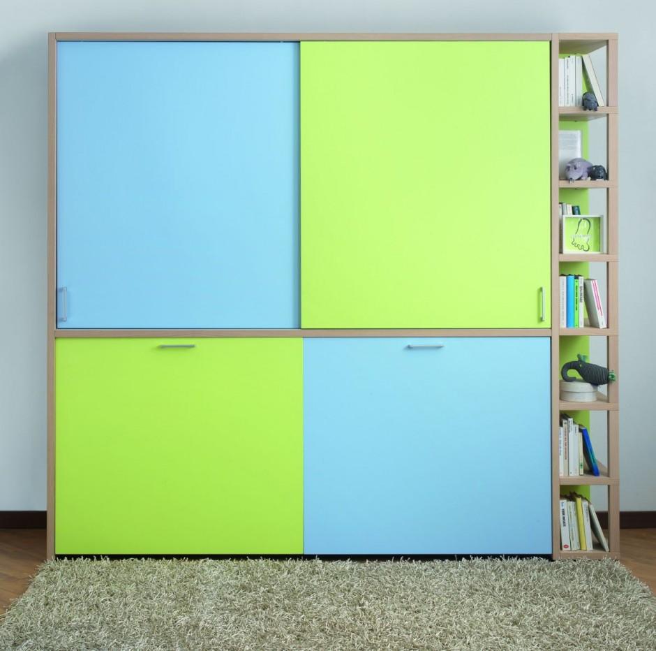 Кровать-шкаф в сложенном состоянии. Мебель для детей.
