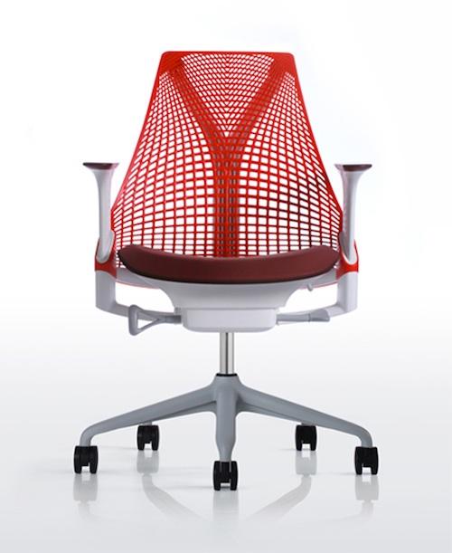 Современное эргономичное офисное кресло