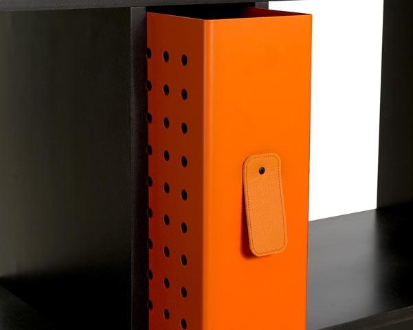 Современная мебель. Стеллаж со встроенными ящиками для документов