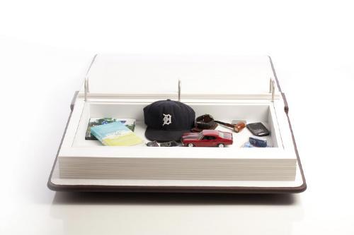 Столик с ящиком для вещей