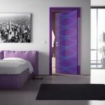 Межкомнатная дверь оригинальной расцветки от дизайнера Карима Рашида