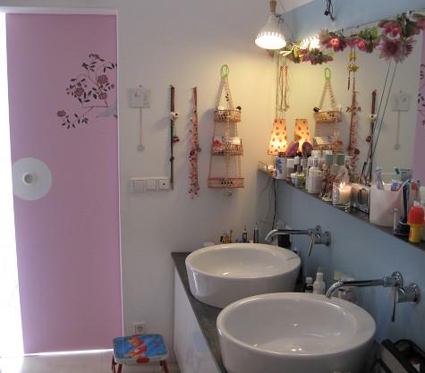 Ванная комната оформленная в белых тонах