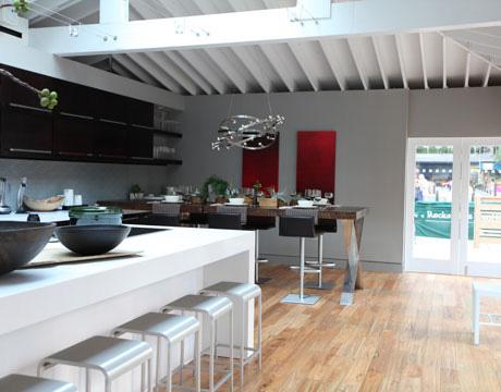 Пример дизайна современной 2010 кухни