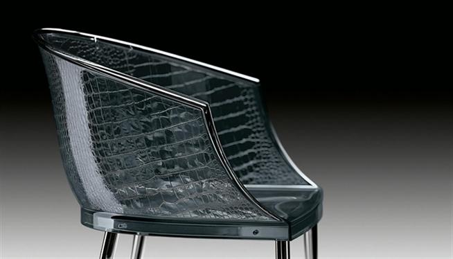 Стеклянные стулья разных оттенков