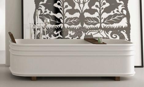 Оригинальная итальянская ванна, с деревянными элементами коллекция 2010