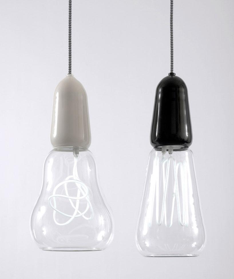 Энергосберегающие лампы в стеклянном плафоне
